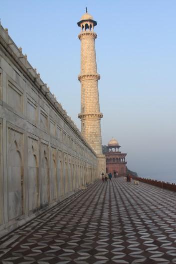 River walkway, the Taj