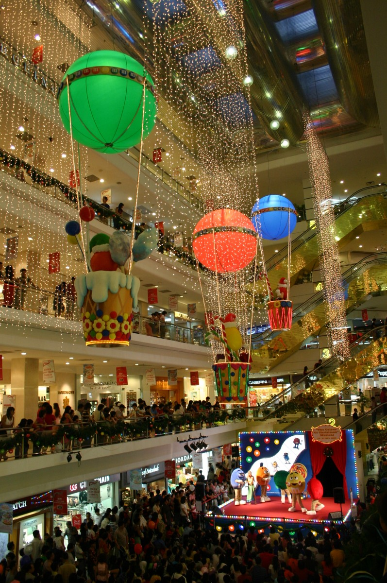 Inside the Centrepoint Mall. More M&Ms