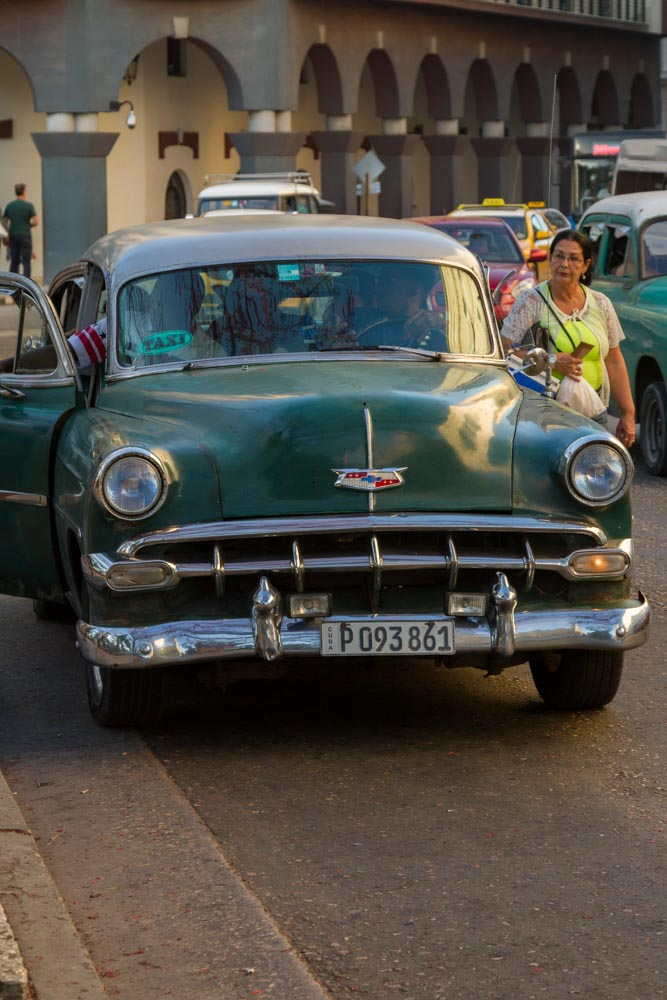 Máquina, a communal taxi running specific routes, Havana, Cuba